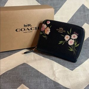 COACH 2 Style Inside New Floral Zip Around Wallet